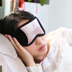 戴上纳米光能波眼罩头套可以美容去斑,活化肌肤