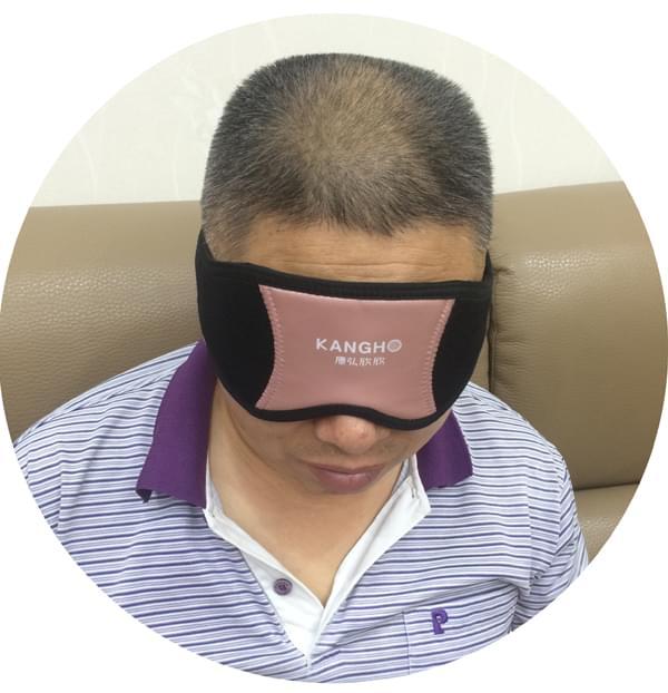 胡先生佩戴光能波护眼仪的感受